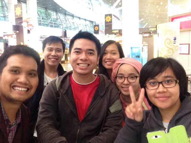 Group photo selfie using monopod while waiting for our flight to KLIA.