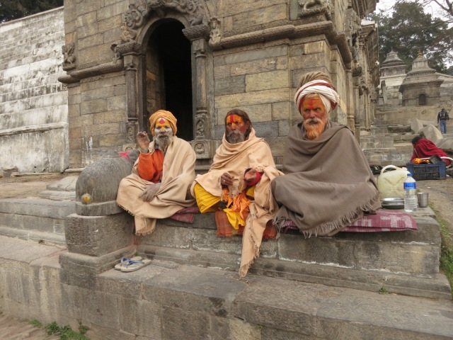 Sadhus: sacred people who devote their life to reach mokhsa.